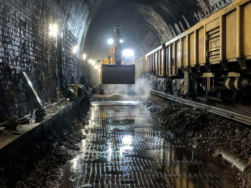 Passengers experience faster and more reliable journeys after £21million Sevenoaks tunnel refurbishment