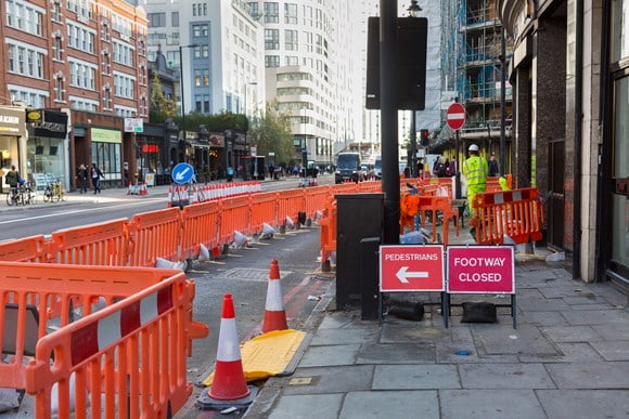 TfL tackles unsafe roadworks by prosecuting Cadent Gas for forcing people to walk into the road and launches new good practice handbook