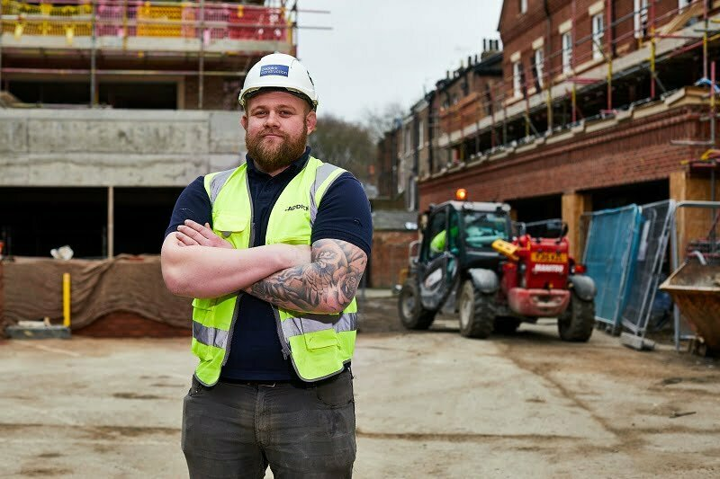 """Caddick Construction """"try"""" out former rugby international prop as latest trainee site manager"""