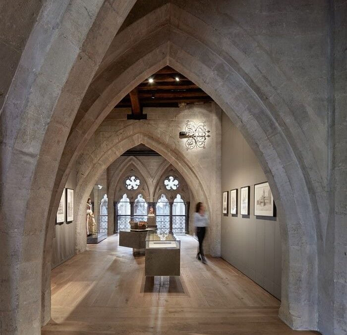 "IAN KNAPPER DELIVER AWARD WINNING ""SUPPORT"" FOR THE QUEEN'S DIAMOND JUBILEE GALLERIES"